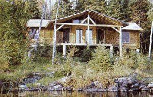 bamaji_lake_main_cabin